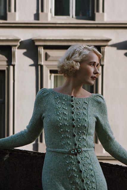 sukienka na druty ze wzorem