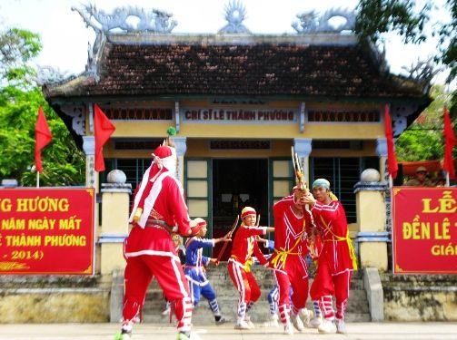 Dịch vụ cho thuê xe hợp đồng du lịch tại Phú Yên - Đền thờ Lê Thành Phương