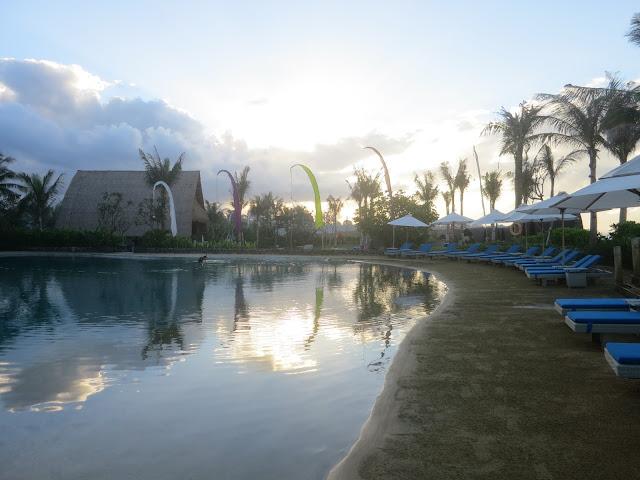 Wyndham Tamansari Jivva Resort Bali - pool