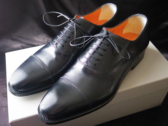サントーニの内羽ストレートチップ革靴
