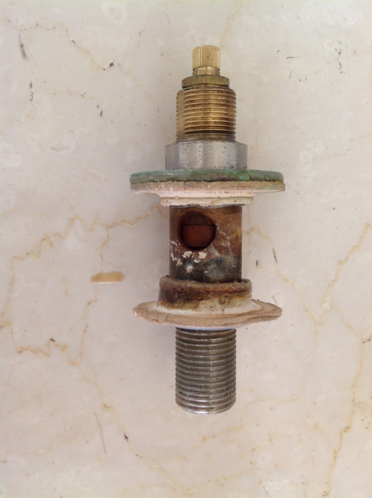 Esperienze utili rubinetto bidet a tre 3 fori come - Cambiare rubinetto bagno ...