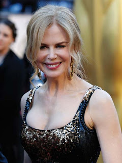 Oscar Jewelry: Nicole Kidman wearing Fred Leighton earrings