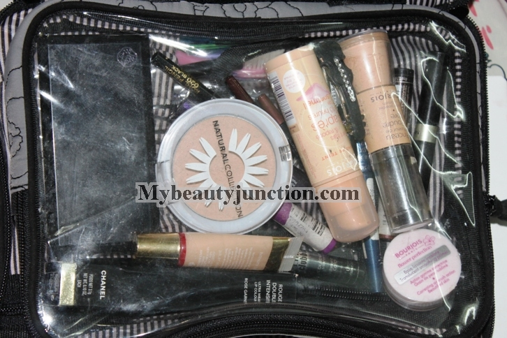 266aae0a6f7b Travel makeup and brushes packing tips and inside my cosmetics bags ...