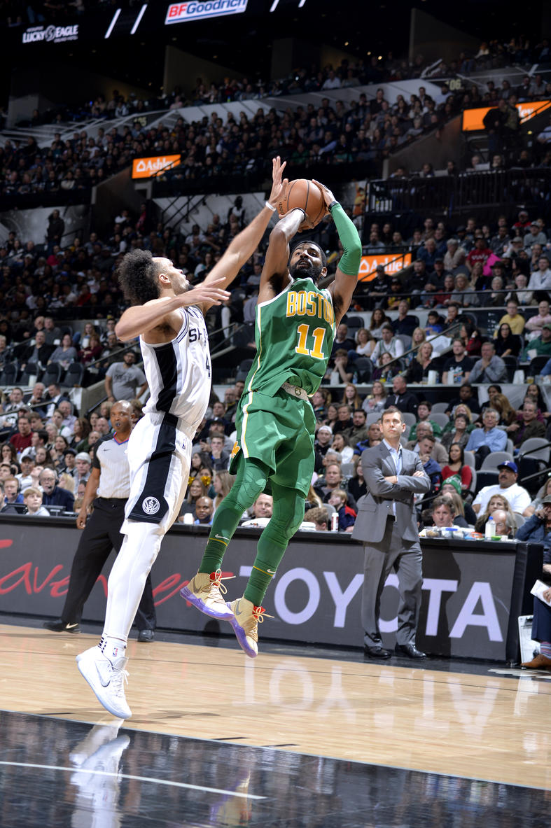 591835c75e29 Kyrie Irving injures eye in loss to Spurs