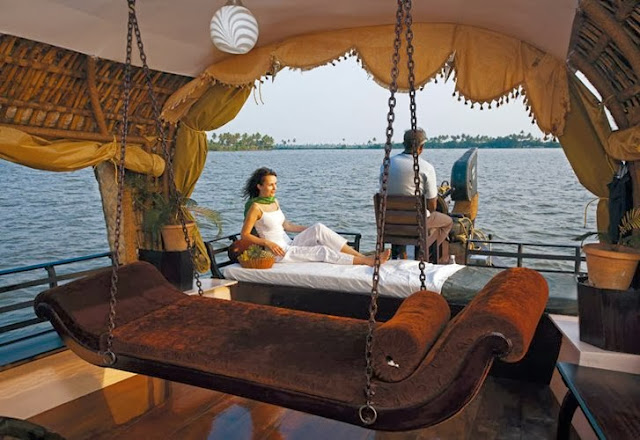 Luxury Houseboats In India