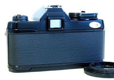 Yashica FX-3 Super 2000, Back