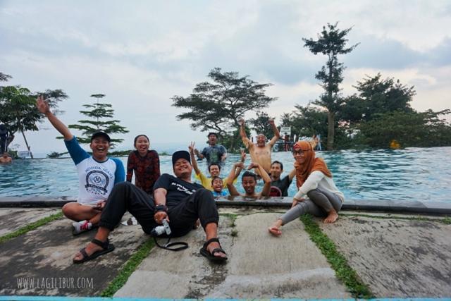 Kolam Renang D'Emmerick Hotel Salatiga