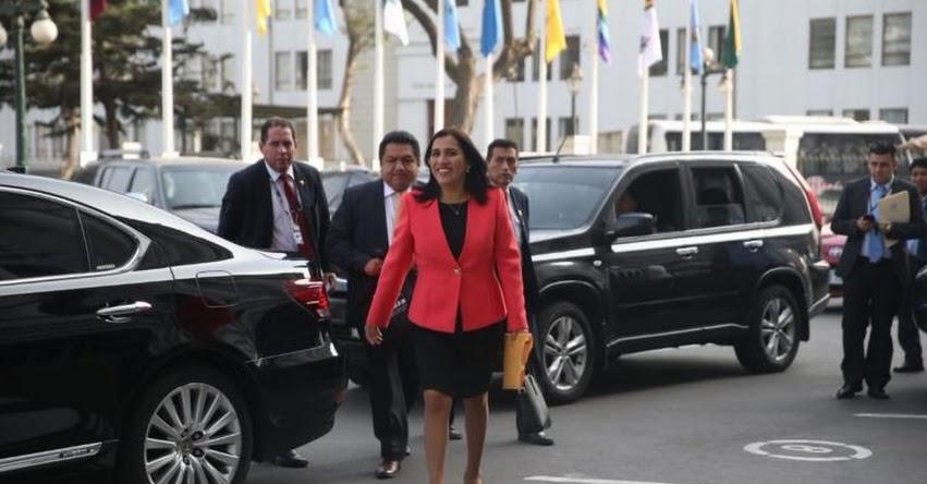 Se inicia en el Congreso interpelación a Ministra de Educación Flor Pablo Medina