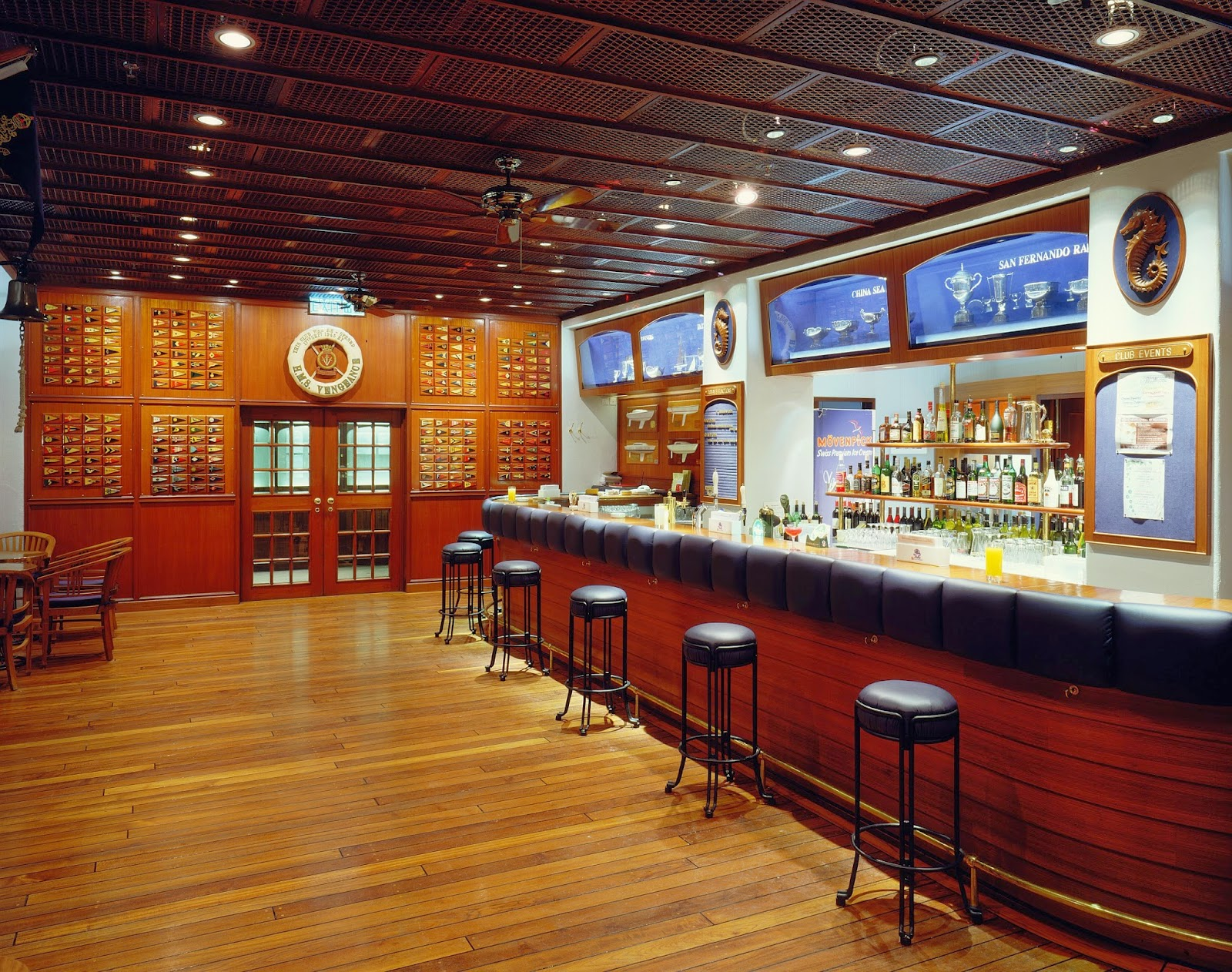 Yacht Club Bar