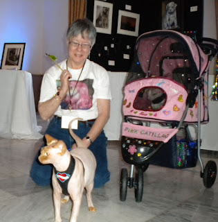 Teri and Disco NoFurNo at a BlogPaws Conference