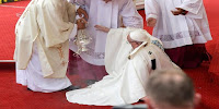 caída del papa Franciscomisa en Polonia