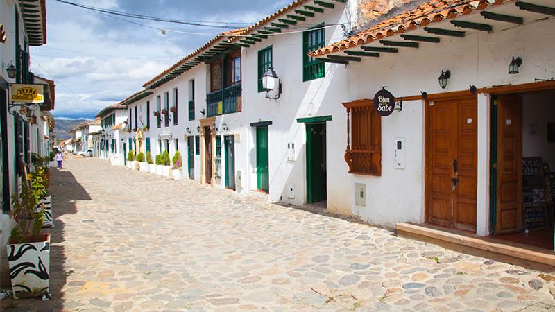Calles de Villa de Leyva, Colombia. Fotografía por Juan Carlos Morales S. Todos los derechos reservados