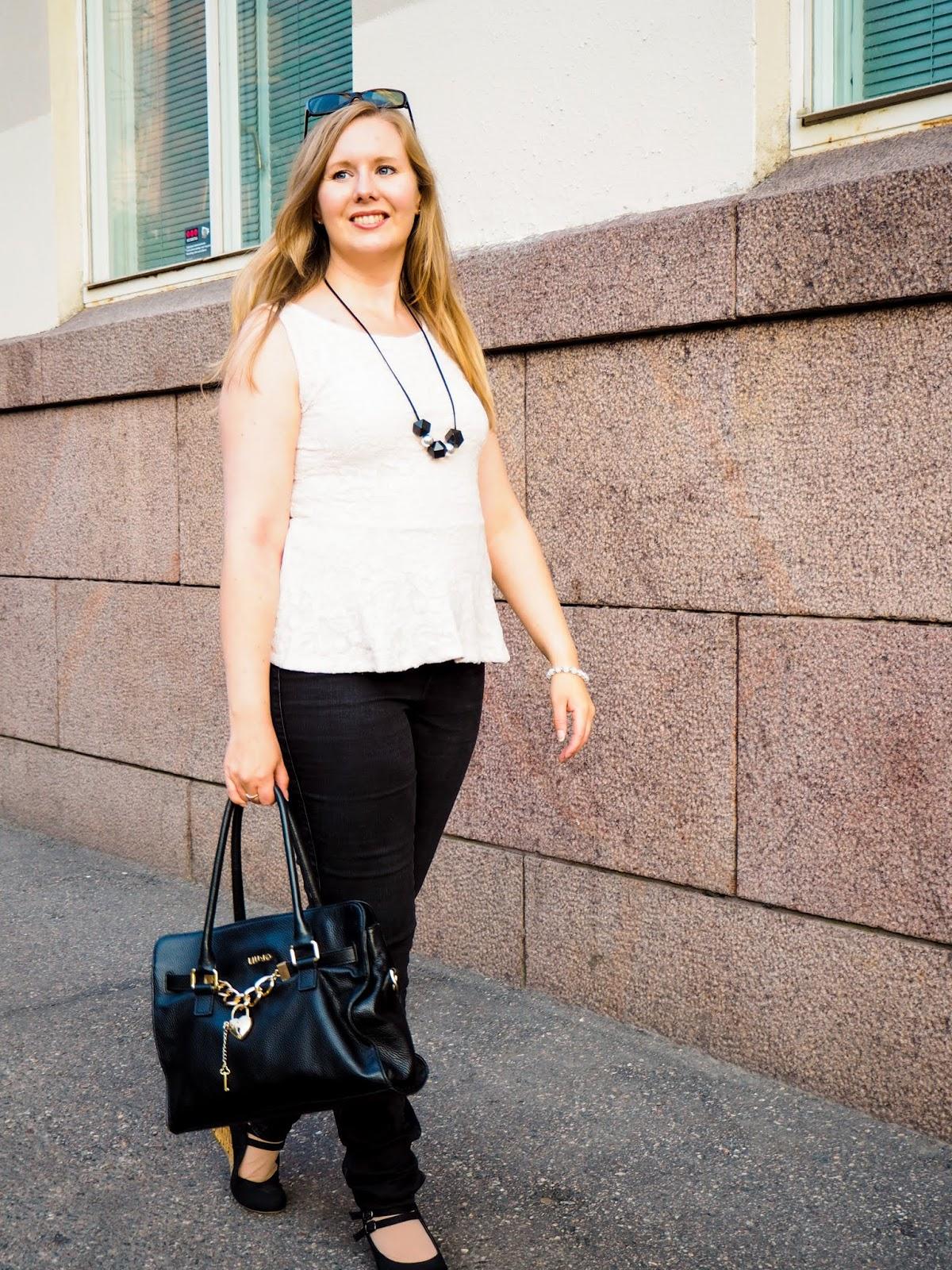 Saippuakuplia olohuoneessa blogi, kuva Mikko Poikkilehto, Hanna Poikkilehto, oma tyyli, kauneus, Lifestyle, my style, street style, outfit, Liu Jo, Helsinki, MioSa, Design,