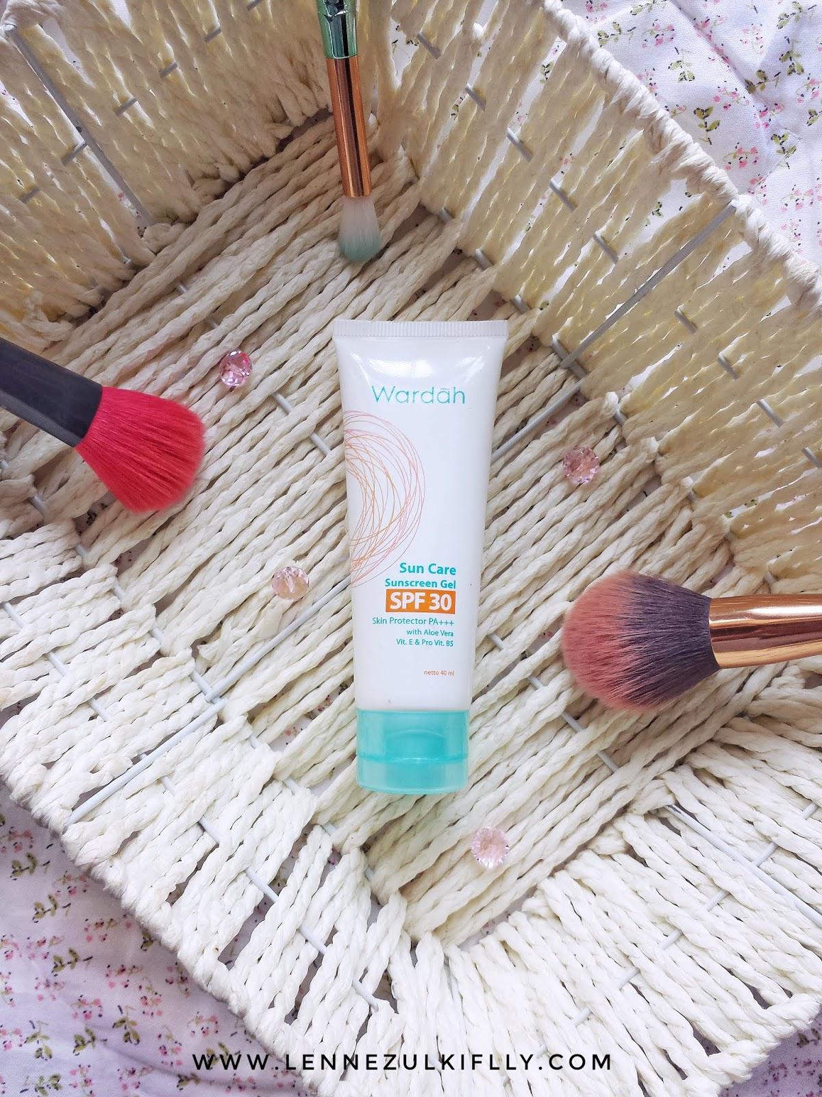 Review Wardah Sunscreen Gel : review, wardah, sunscreen, Wardah, Suncreen, SPF30, LENNE