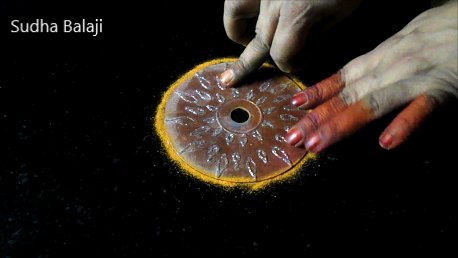 small-circular-rangoli-1a.png