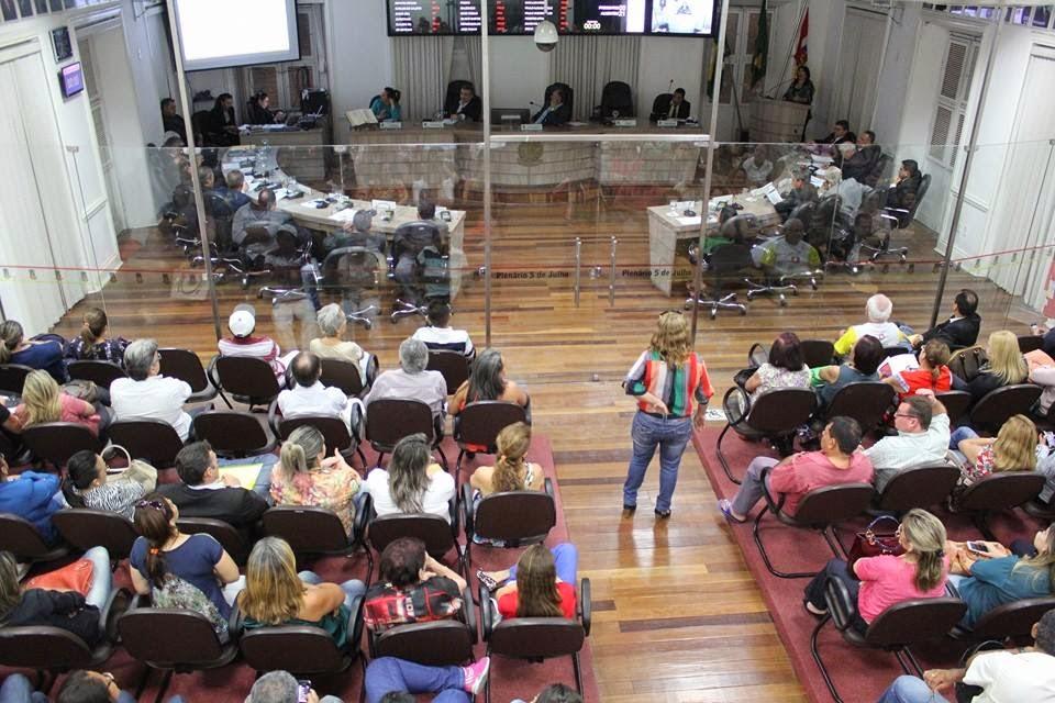 Secretária da Saúde de Sobral participa de audiência pública na Câmara do Vereadores