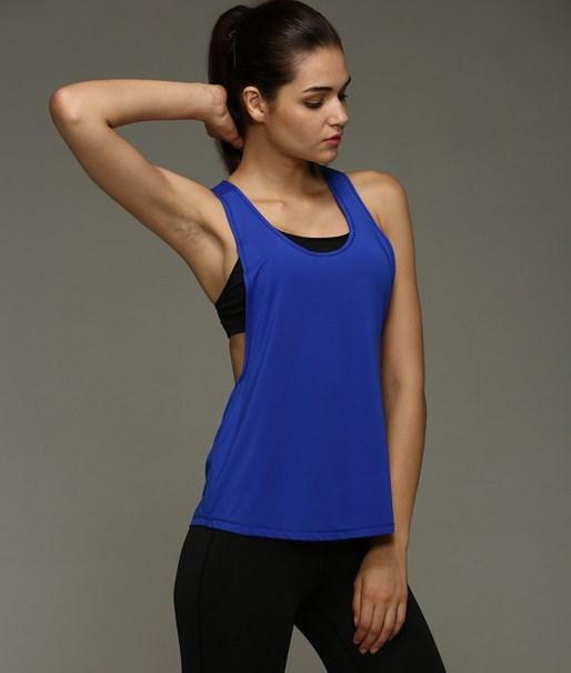 Fakta Unik dari Warna Biru Yang Jarang anda Ketahui cewek cantik memakai baju berwarna biru