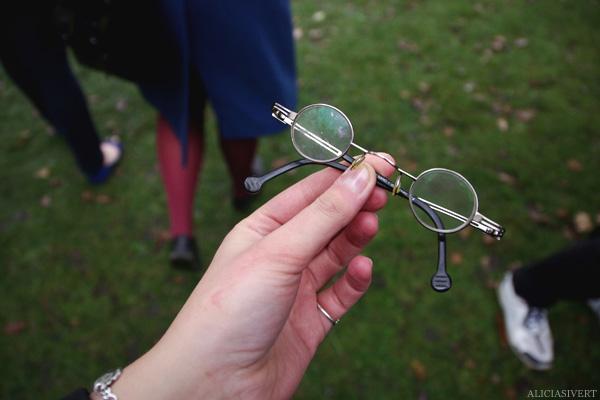 aliciasivert, alicia sivertsson, skansen, skansens höstmarknad, market, autumn, utklädd, utklädnad, dressed up, glasögon, glasses