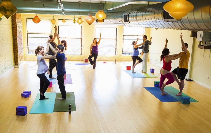 yoga, yoga bà bầu, yoga cho bà bầu, lớp học yoga, lớp học yoga cho bà bầu, bầu bí