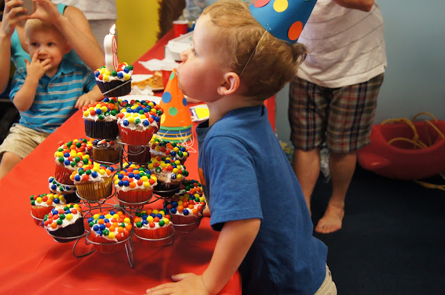 Ball_pit_birthday_party cupcakes