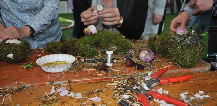 Kreativ Workshop auf der Garten outdoor Ambiente