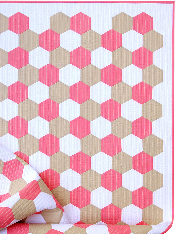 Pink Flamingo Hexagon Quilt | Machine Stitched Hexagons | © Red Pepper Quilts 2017
