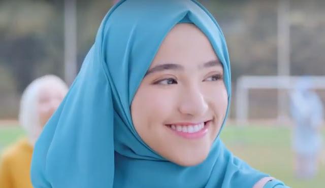 Nama Cewek Iklan Pureline Hijab Fresh Halal Body Lotion