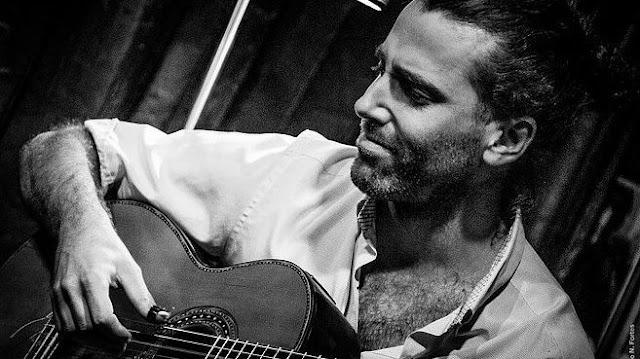 "El guitarrista Agustín Luna presenta ""A San Telmo"" en Café Vinilo"