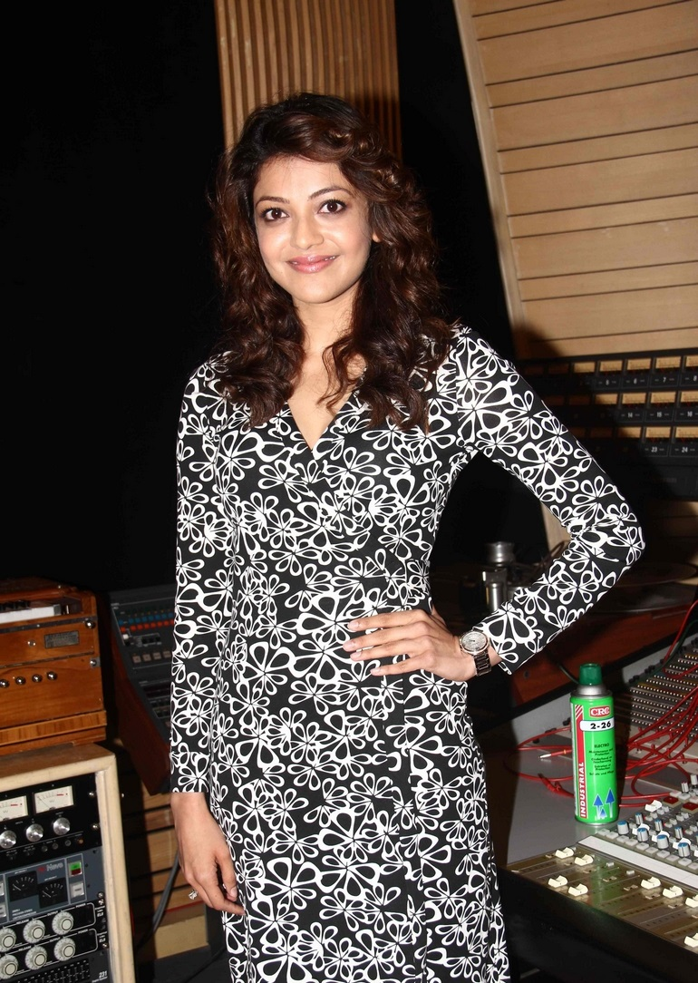 Kajal Agarwal Legs Showing In Black Short Dress