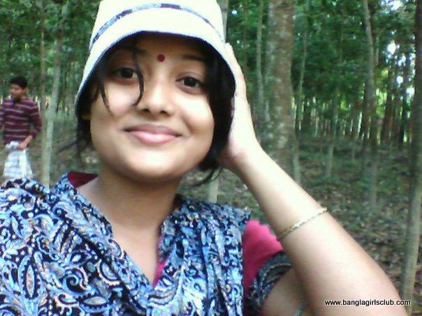 Bangla desi dhaka hostel girls hidden cam in toilet hq - 4 4
