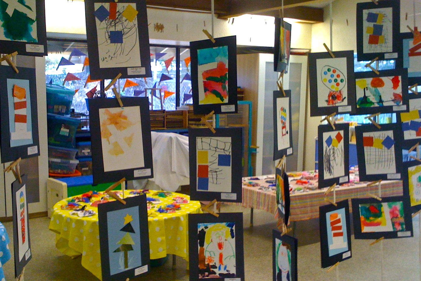 How To Display Mobiles At Craft Fair
