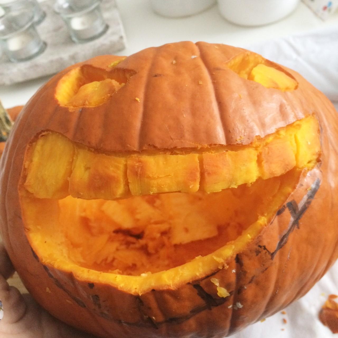 C mo carvar una calabaza para halloween s l o a n e s t - Como vaciar una calabaza ...