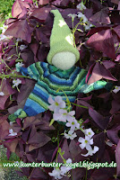 http://kunterbunter-vogel.blogspot.de/2015/09/knubbelchen-in-gruner-sockenwolle.html