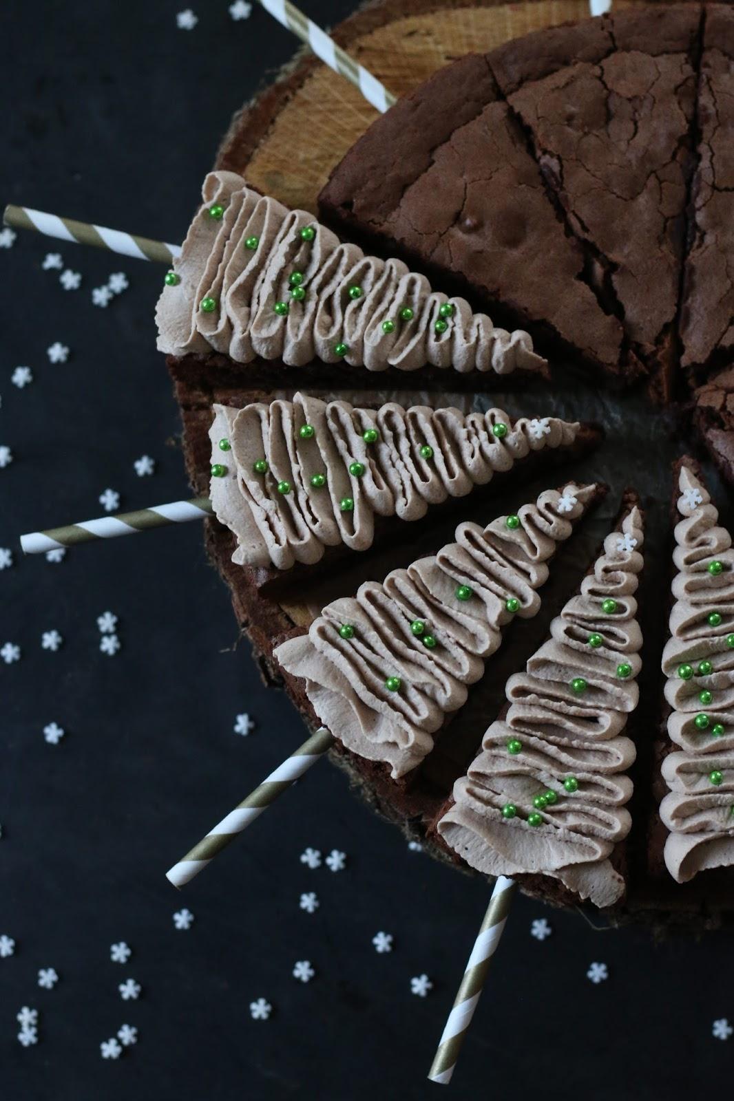 Tannenbaum Brownies mit Cappucino Sahne von Lecker macht süchtig