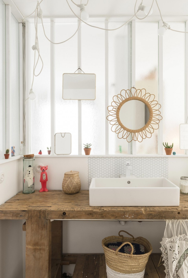 Beautiful natural materials add an organic feel to this bathroom -design addict mom