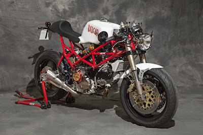 Ducati Monster 750 Cafe Racer by XTR Pepo