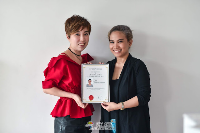 Lovelee Rose from Philippines - completed Microblading Eyebrow Embroidery Course at Ivy Brow Design