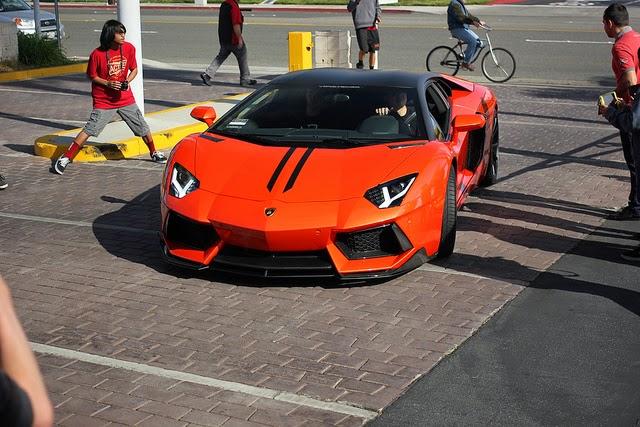 Lamborghini Reventon sở hữu động cơ V12, dung tích 6,5 lít, công suất 650 mã lực mới mô- men xoắn tối đa đạt 660Nm
