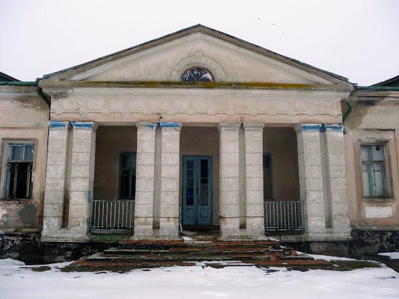 Самарский Свято-Николаевский монастырь. Крыло Архиерейского дома, нуждающееся в ремонте
