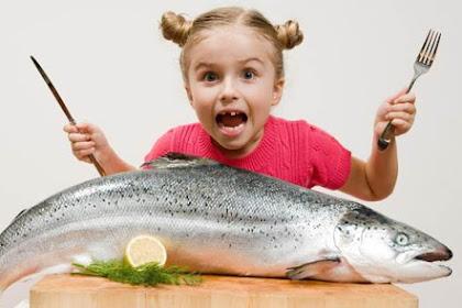 Rutin Makan Ikan Dua Kali Seminggu Turunkan Risiko Stroke dan Gagal Jantung