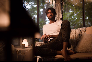 Ryan Hurd launches personal Love in a Bar video