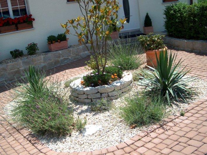 Garten- Und Landschaftsbau: Steingarten