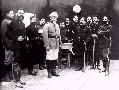 Foto tomada momentos antes de la batalla de Arica (Francisco Bolognesi)