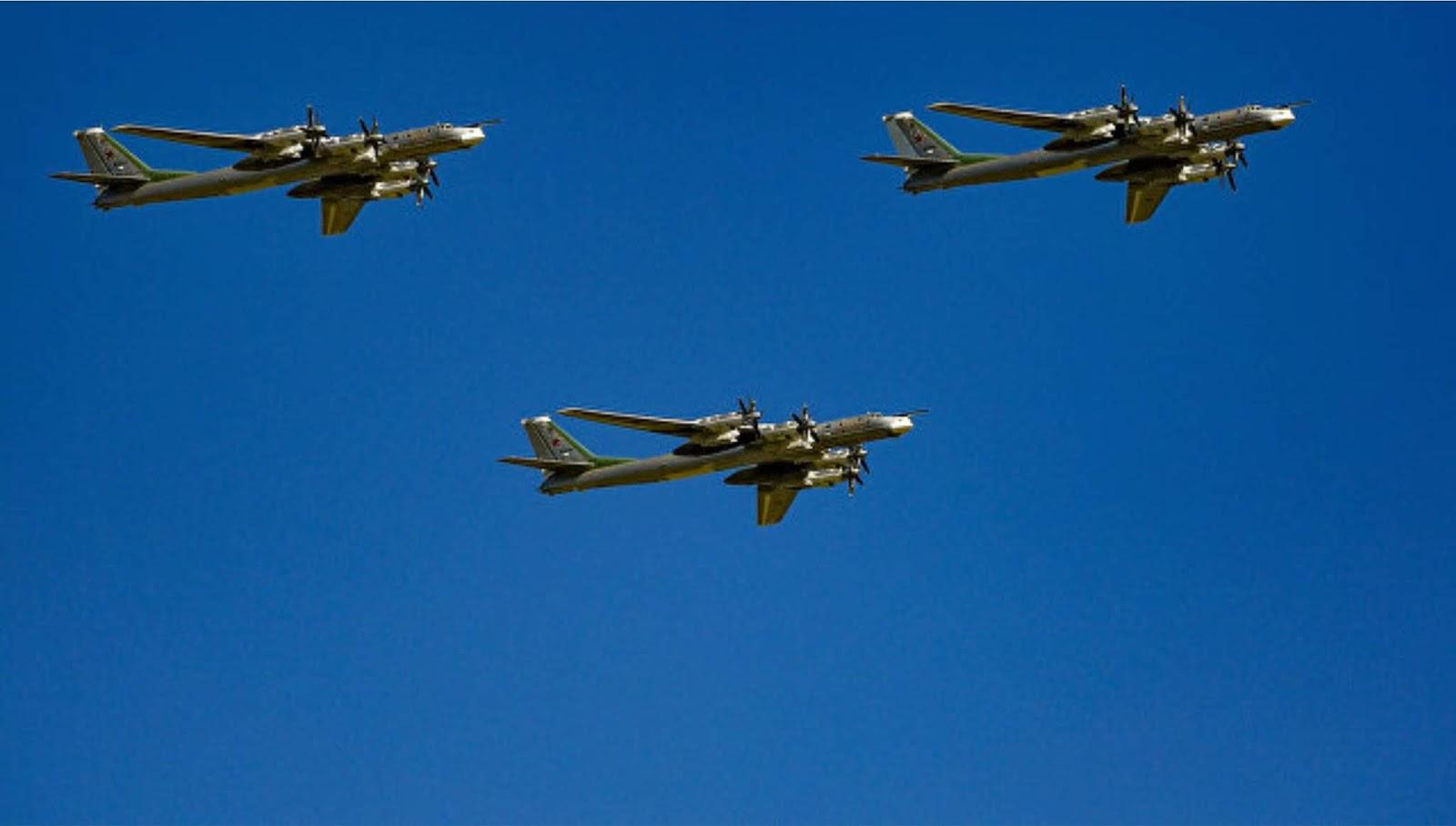 Jepang mencegat empat pesawat pembom Tu-95 dan Su-35S Rusia