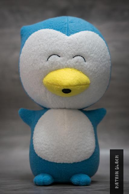 Мягкая игрушка ручной работы сшита по фотографии. Пингвинчик. Заказать.