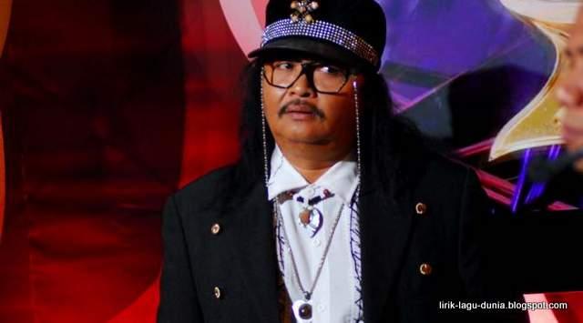 Jhony Iskandar- Penyanyi dangdut