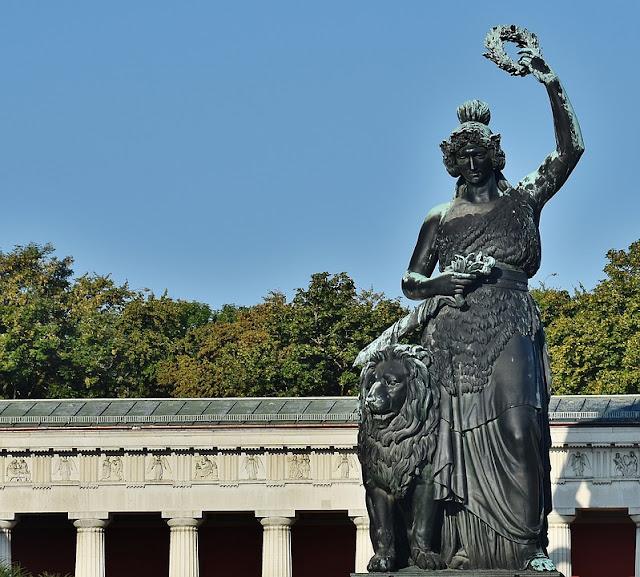 Estatua de Baviera (Múnich) (@mibaulviajero)