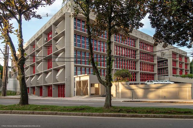 O prédio da Paraná Previdência