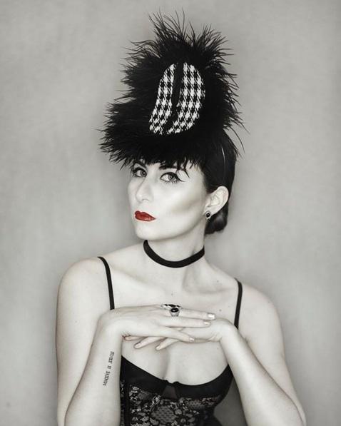 Juan Daltónico: sombreros y tocados de pura fantasía | Quinta trends