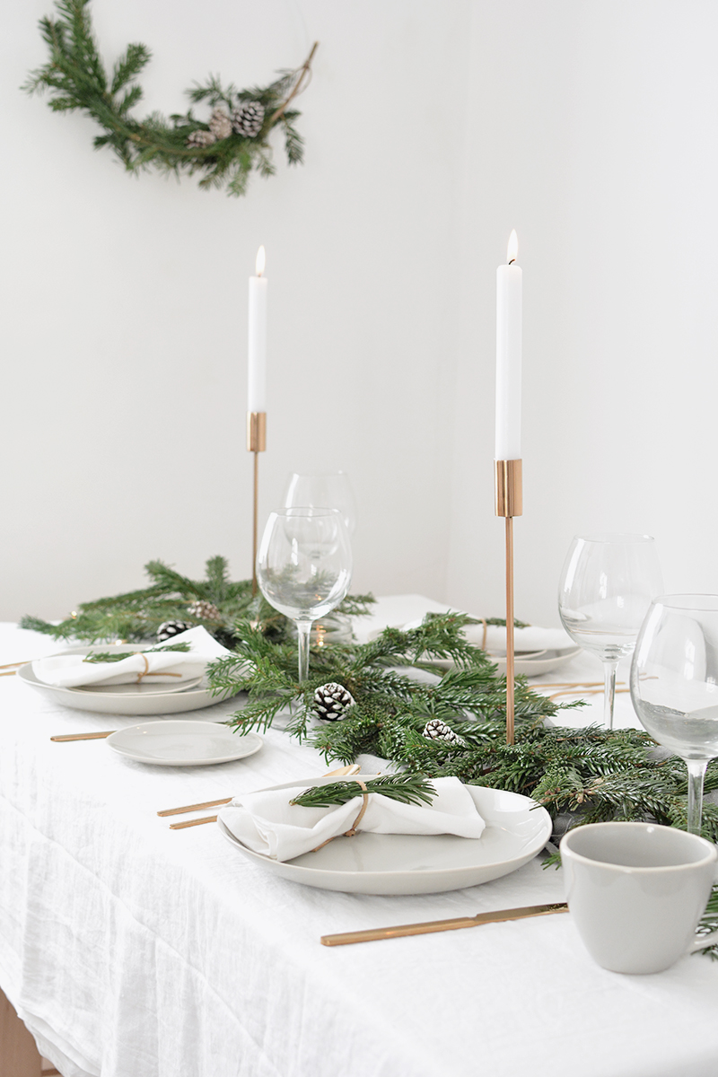 modern scandinavian christmas table setting